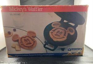 DISNEY MICKEY WAFFLER VITANTONIO MODEL #950-NS Non Stick, WITH BOX & RECIPE BOOK