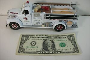 First 1st Gear Mack 1960 B-Model Pumper - Texaco Fire Dept 1:34 - 1998 - 19-2250