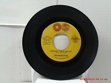 THE MARVELETTES -(45)- TOO MANY FISH IN THE SEA / A NEED FOR LOVE - TAMLA - 1964