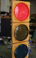 LARGE 3 LIGHT LED TRAFFIC SIGNAL W/ CONTROLER  PLUG IT IN WATCH IT WORK VGC COND