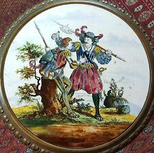 TABLE D'APPOINT. EN LAITON. ENVELOPPE DE FAÏENCE ÉMAILLÉE. XIX-XXE SIECLE.
