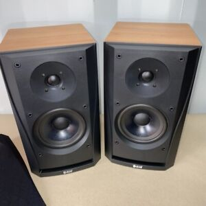 (Pair) Bowers and Wilkins B&W DM302 Bookshelf Speakers - Very good condition