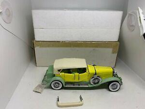 Franklin Mint 1:24 1930 Duesenberg J Derham Tourster, 2 tone green