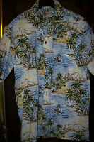 Men's  Hawaiian Aloha Shirt     Size: LARGE