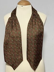 """BEAUTIFUL GREEN ASCOT 100% SILK PAISLEY 50""""/6"""" EXCELLENT  CONDITION"""