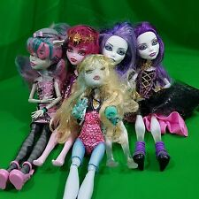 Monster high dolls lot 5 dolls Spectra Rochelle Goyle Lagoona Blue Draculara