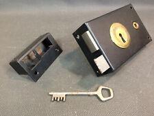 Ancienne grosse serrure de porte de sureté JPM vintage neuve avec 1 clé