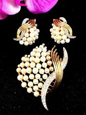 STUNNING CROWN TRIFARI FAUX PEARL RHINESTONE UNDER THE SEA BROOCH EARRINGS SET