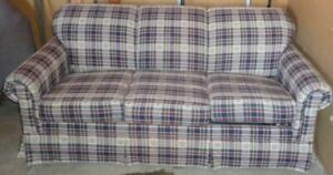 Broyhill Sleeper Sofa – VERY GENTLY USED – FULL SIZE SLEEPER – VGC – USEFUL