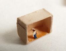 Sorte de statuette miniature ancien LA PLUS PETITE SCULPTURE DU MONDE