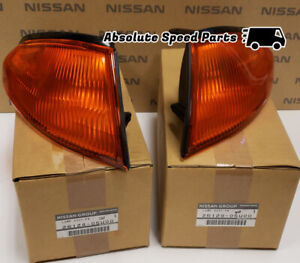 GENUINE Nissan Skyline R32 GTR Turn Signal Lights Pair 26129-05U00 & 26124-05U00