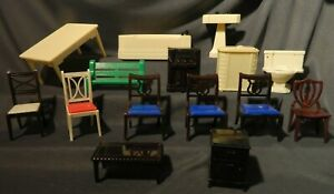 16 Pc Lot Vintage IDEAL Renwal Dollhouse Lot, Bathroom, Radio, Chairs, Tables