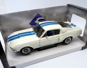 Solido 1/18 Scale S1802901 - 1967 Shelby Mustang GT500 - White/Blue