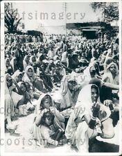 1967 Starving Citizens of Drought Stricken Patna Bihar India Press Photo