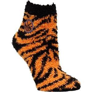 New York Knicks   Zebra Sock Size Women Med 6-11 Lets stay warm Men Med 5-10
