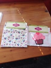 LOT OF 2 BAKERY BAKING THEME SUPER CUTE CUPCAKE APRONS (2) 100% COTTON NEW