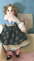 COLLECTIBLE VINTAGE MADAME ALEXANDER MINT BOX LISSY COLLECTION GRETEL W ICE SKAT