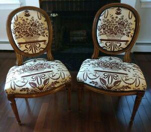 Pair Elegant Antique French Louis XVI Ladies' Parlor Accent Chairs Hepplewhite
