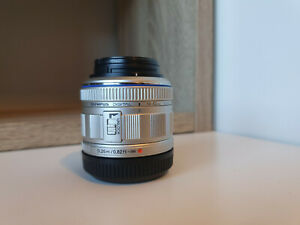 Olympus M.ZUIKO Digital 14-42mm f/3.5-5.6 II Lens for Micro 4/3 Cameras