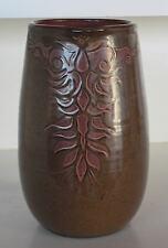 Pichet à eau en céramique façonné sur le tour de potier de Patrick et Françoise