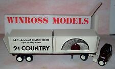 1982 21 Country TV Auction Winross Diecast Flat Bed Trailer Truck 2 Containers
