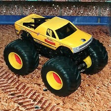 CAROLINA CRUSHER CUSTOM BUILT HOT WHEELS MONSTER JAM TRUCK 1/64