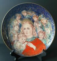 """EDNA HIBEL Christmas Plate """" The Angels Message"""" 1985 Signed and Collectible 22K"""