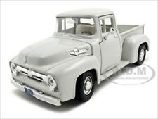 1956 FORD F-100 WHITE 1:24 DIECAST MODEL CAR BY MOTORMAX 73235