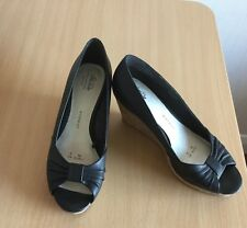 LADIES SUMMER WEDGE SHOES WIDER FIT GOOD FOR THE SOLE SIZE UK 5 WORN ONCE