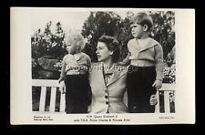 r4137 - The Queen with Prince Charles & Princess Anne in the Garden - postcard