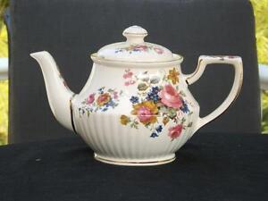 James Sadler Climbing Rose Teapot #3743 5-6 Cups England