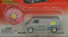 Johnny Lightning Limited Edition Boogie Van 1975 Dodge D-100