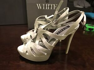Vera Wang White Bridal Wedding heels Shoes White Size 8 NWB