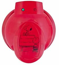 New Smart Planet Wm�6S Peanuts Snoopy and Charlie Brown Waffle Maker Red