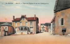 En Morvan - MOUX - Place de l'Eglise et rue des Châtaigniers