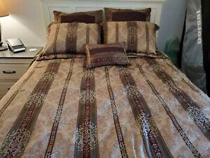 Croscill Townhouse Queen Bedding Set