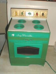 Vintage 1968 Topper Toys SUZY HOMEMAKER Kitchen Oven Stove Teal TOY Works