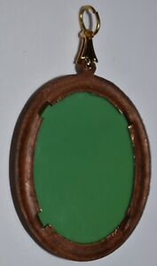 VINTAGE GOLD GREEN RELIEF PENDANT * 30 X 39.7mm * GORGEOUS RELIEF GLASS * BRASS