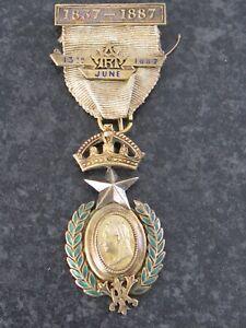 QUEEN VICTORIA 1887 GOLDEN JUBILEE GRAND LODGE MASONIC SILVER MEDAL JEWEL