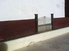 Muro Con Cancello Per Plastico Ferroviario