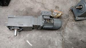 Lenze gearmotor 0.25KW 4r/min GKR05
