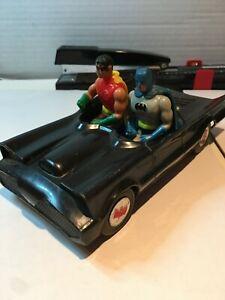 Vintage 1979/1980 Mego Batmobile & Pocket Super Heroes Batman & Robin Bat Mobile