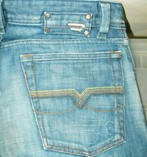 *HOT Men's DIESEL @ LEVAN 881 - RELAXED STRAIGHT Denim Jeans 30 x 34 (Fit 31x34)