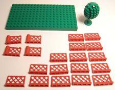 LEGO. Gartenzaun 16 Stück.  Gartentüre 4 Stück und 1 Baum und 1 Grundplatte