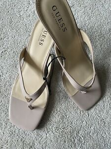 Guess Los Angeles Nude Thong Heels Size 8/41 but fits more Like 7/40. New.