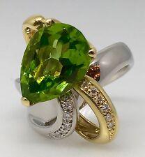 contemporaneo a forma di pera peridoto e diamante anello da cocktail in placcato