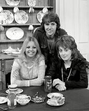 Sally Thomsett, Paula Wilcox & Richard O'Sullivan - H6261 - Man About the House