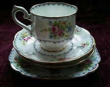 Royal Albert PETIT POINT Cup & Saucers, Bread Plate - 4 Piece - FREE U.S. SHIP