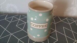 T&G cream & country x 1 coffee polka dots green - no lid
