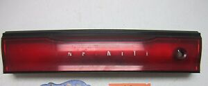 93 INFINITI J30 CENTER TRUNK LID TAILLIGHT TAIL LIGHT LAMP CAR REAR MIDDLE PANEL